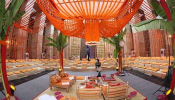 10 awesome budget wedding hall decoration ideas how much do wedding decorations cost the smart planners guide junglespirit Images