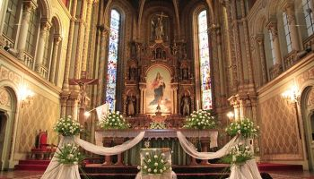 Christian wedding stage decorationtop 10 ideas to inspire yours 9 strikingly simple ideas on church decoration for wedding junglespirit Choice Image