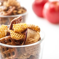 Apple Crisp Snack Mix