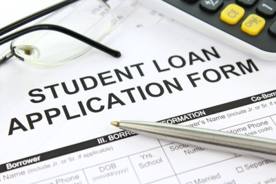 4 Things to Know About Applying for Student Loans - Campus Socialite