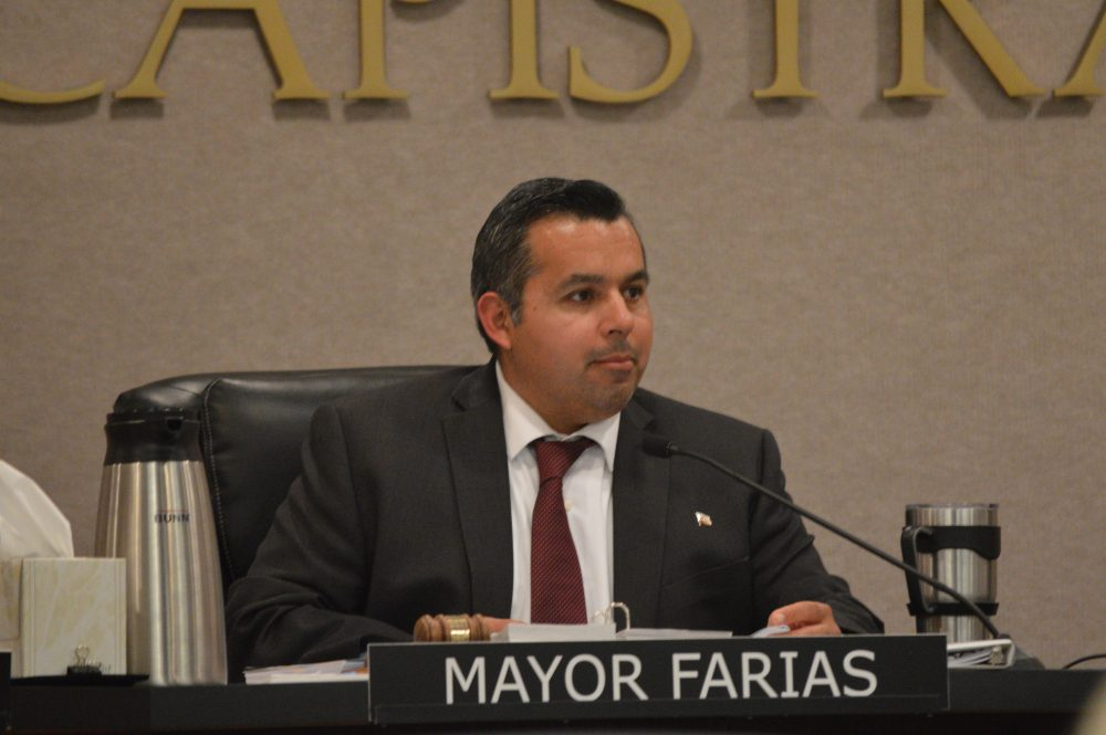 Mayor Sergio Farias was the only dissenting vote to the resolution.