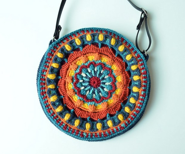 Kaleidoscope Mandala Bag by Lilla Bjorn Crochet
