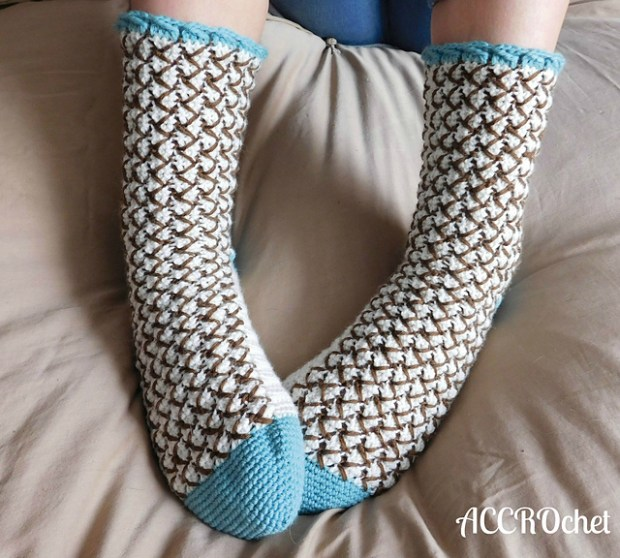 Mint chocolate chip socks by ACCROchet