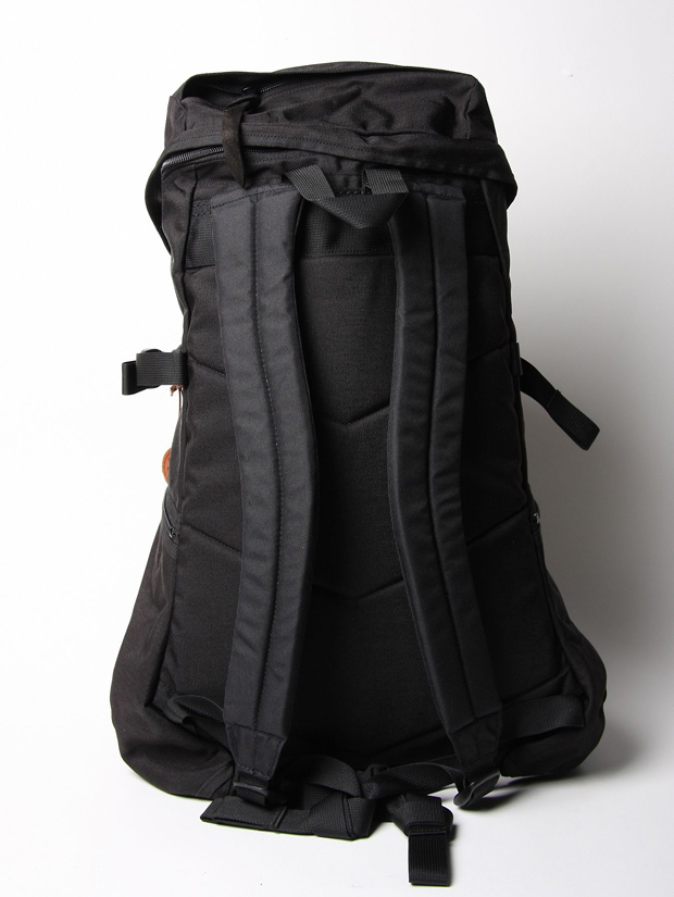 Hobo-Arai-Tent-Slope-Celspun-Canvas-Bag-03
