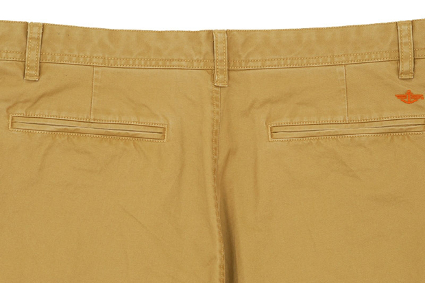 Dockers-Slouch-Tapered-Khaki-Pant-05