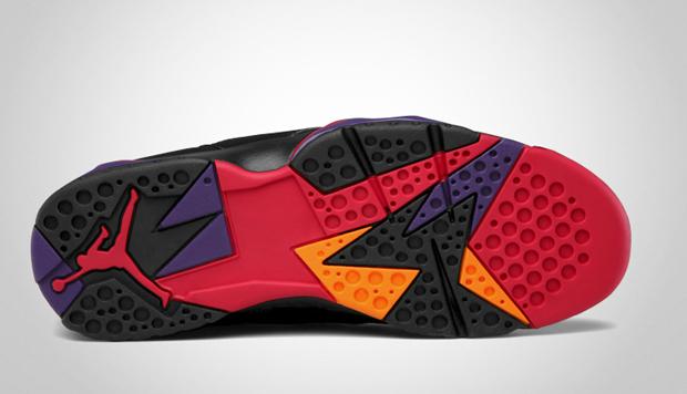 Air-Jordan-7-Retro-Raptors-02