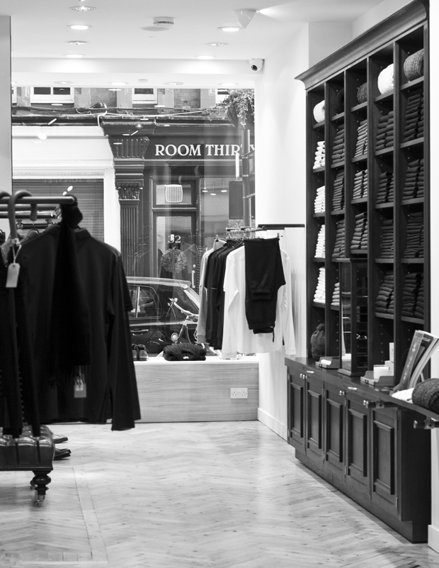 Sunspel store Chiltern Street London 05