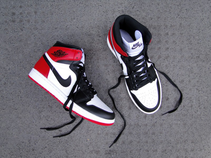 Air-Jordan-1-Hi-OG-Retro-Black-Toe-06