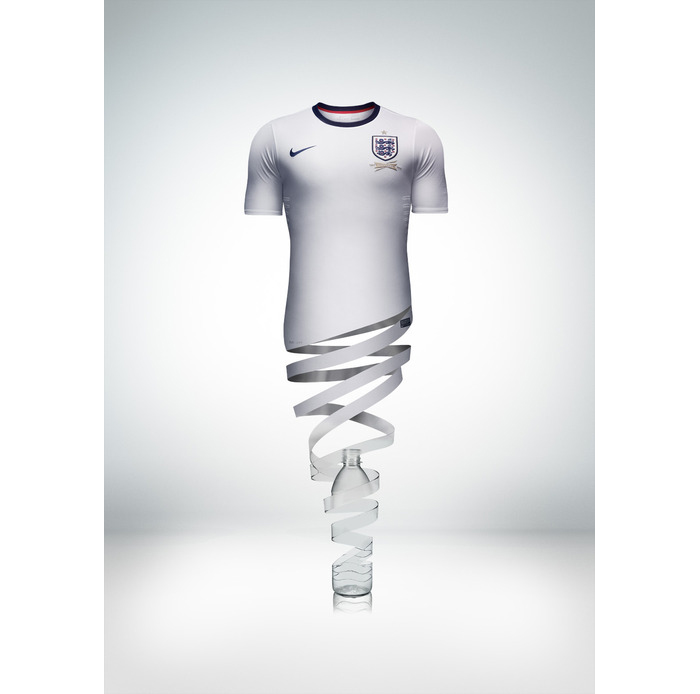 Nike announce first England football kit 09