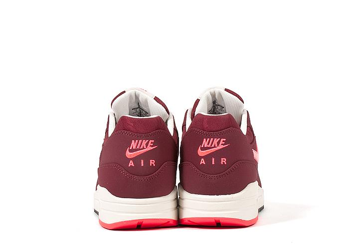 Nike-Air-Max-1-Premium-Patent-Swoosh-Pack-06