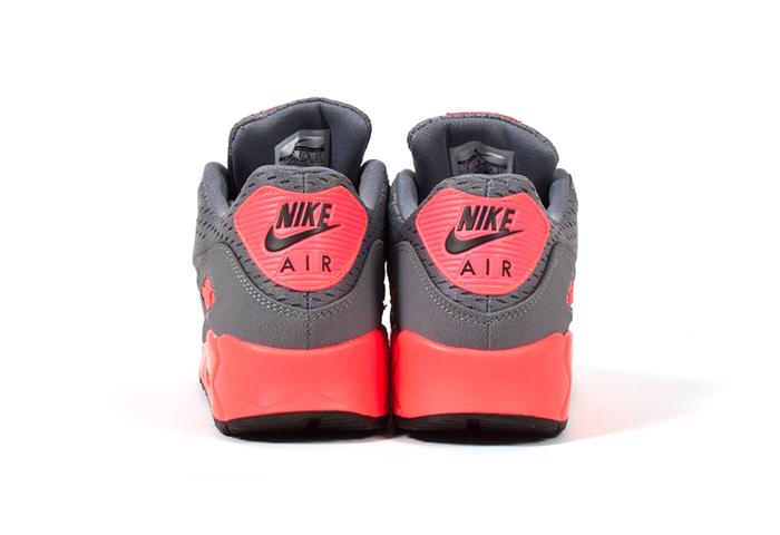 Nike-Air-Max-90-EM-Premium-Comfort-02