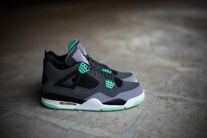 Air-Jordan-4-Green-Glow-UK