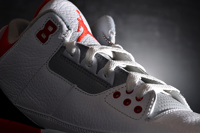 Air-Jordan-III-Fire Red-2013-Retro-03