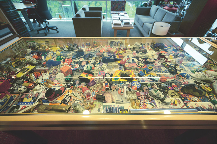 Nike-CEO-Mark-Parkers-Office-07