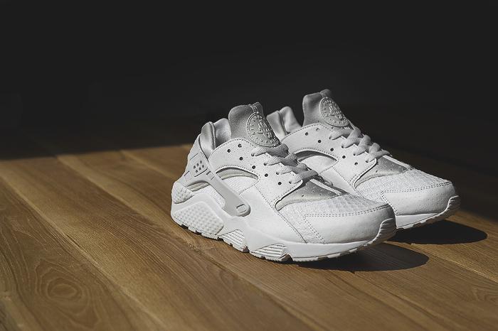 Nike-Air-Huarache-Platinum-White-1