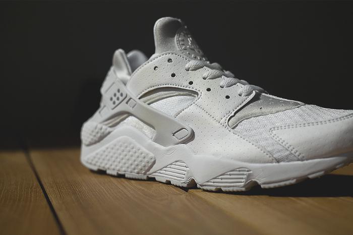 Nike-Air-Huarache-Platinum-White-6