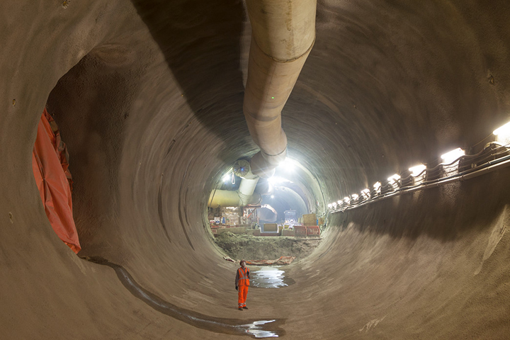 Take a look inside Londons new Crossrail tunnels 04