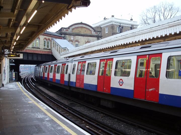 overground underground train
