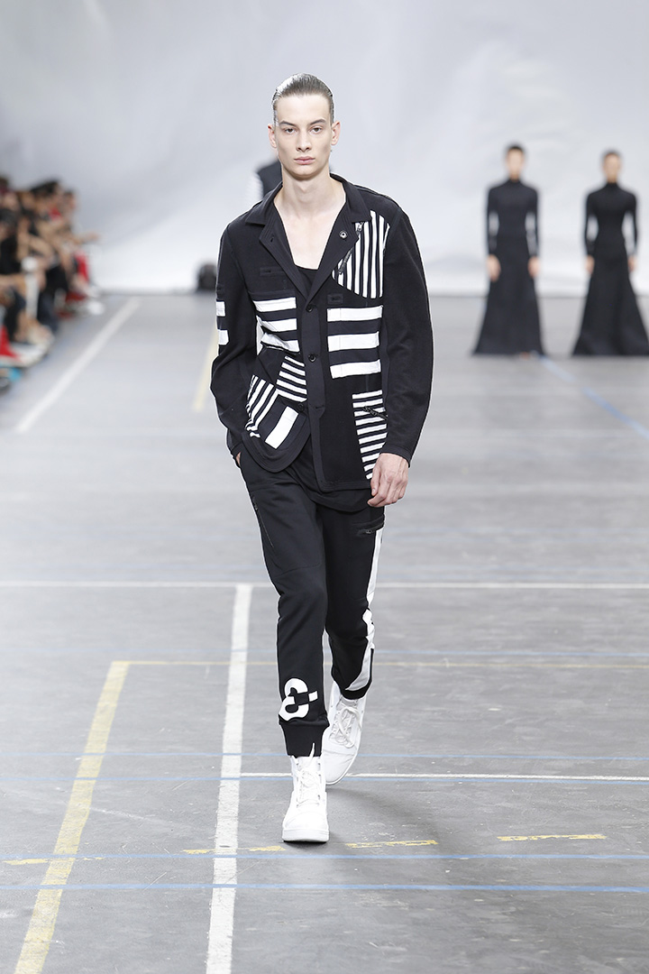 Y-3-SS16-Show-3-STRIPES-IN-MOTION-08
