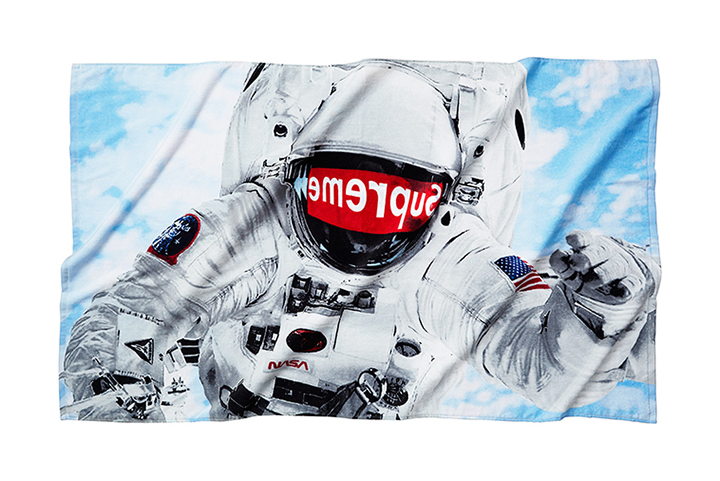 Supreme-Astronaut-beach-towel