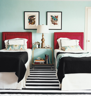 red and turquoise bedroom via houseofturquoise Turquoise + Red