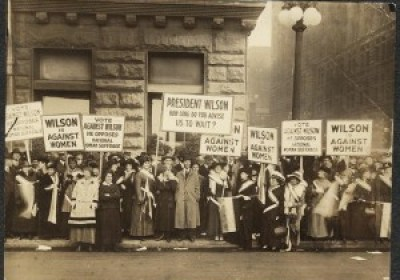Women picketing for the right to vote