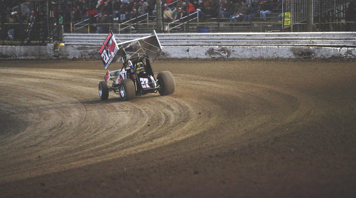 Hodnett blasts through turn 4 at Volusia | Photo: Jeffrey Turford