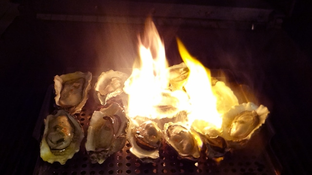 how to clean and open fresh oysters