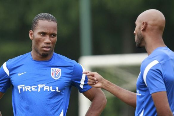 Shanghai+Shenhua's+Didier+Drogba+and+Nicolas+Anelka+jog+during+a+training+session+in+Shanghai