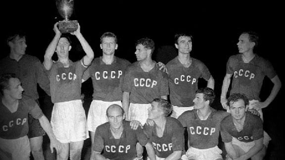 dm_120509_soccer_euromemories_1960