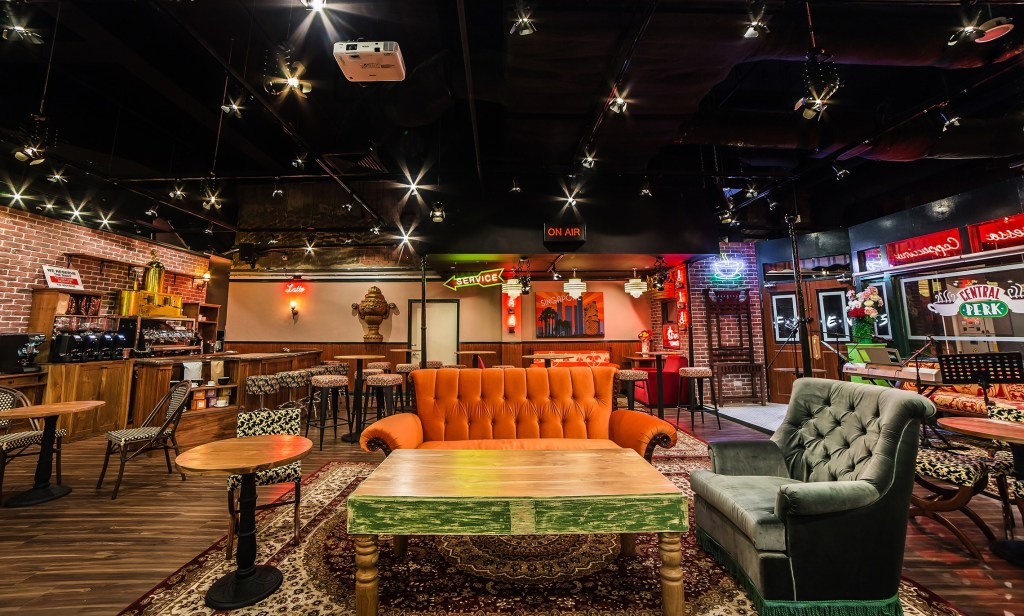 themed cafes - Central Perk