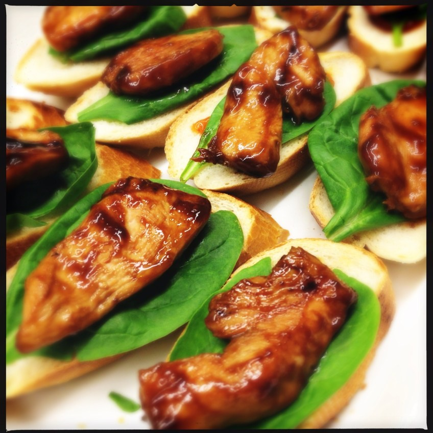 baguette topped with teriyaki chicken, spinach and mango chutney