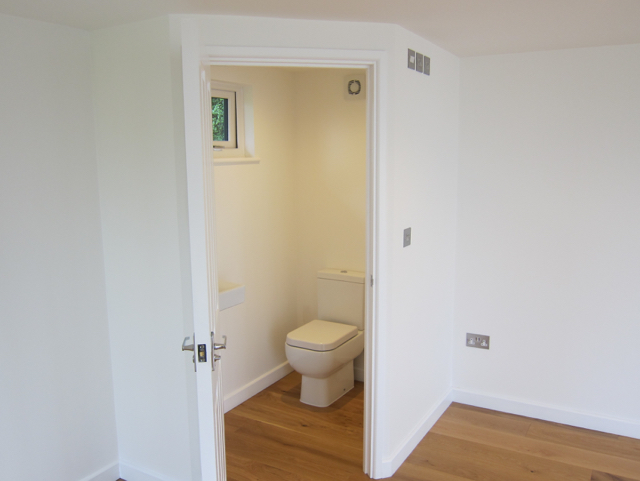 Garden office with toilet facilities-3