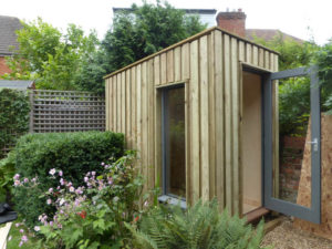 small-garden-pod-ideal-for-small-gardens-5