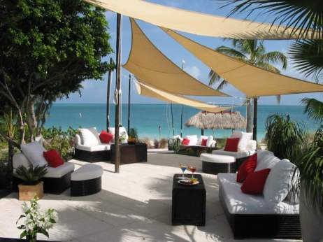 Grace Bay Club: The Lounge