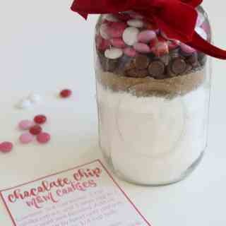 Valentine's Day Cookie Mix in a Jar with free printable recipe card-these are amaazing cookies-soft batch style-thick and chewy!