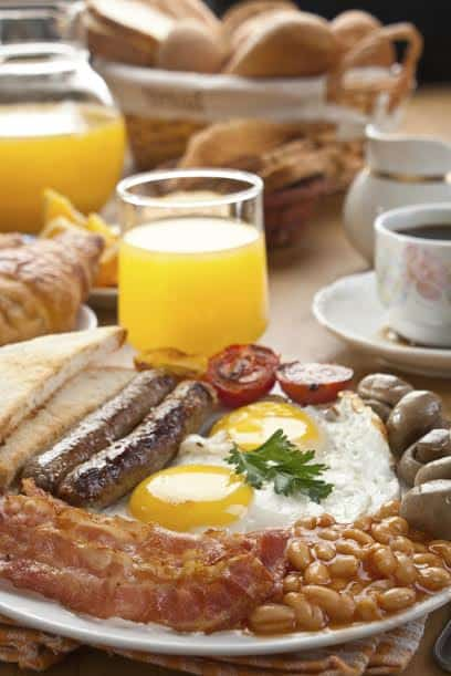Traditional english breakfast - Hilton Anaheim hosts British-themed Mother's Day Champagne Brunch.