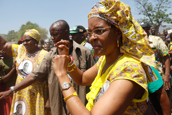 Firts-lady-Grace-Mugabe-greets-the-crowd-as-she-arrives-at--Mutambara-Mission-yesterday