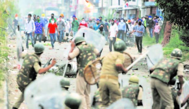 Sikh protester killed in clash with police