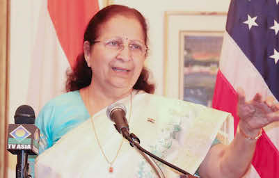 Lok Sabha Speaker Ms Sumitra Mahajan addressing the gathering at the Indian Consulate in New York on September 1.