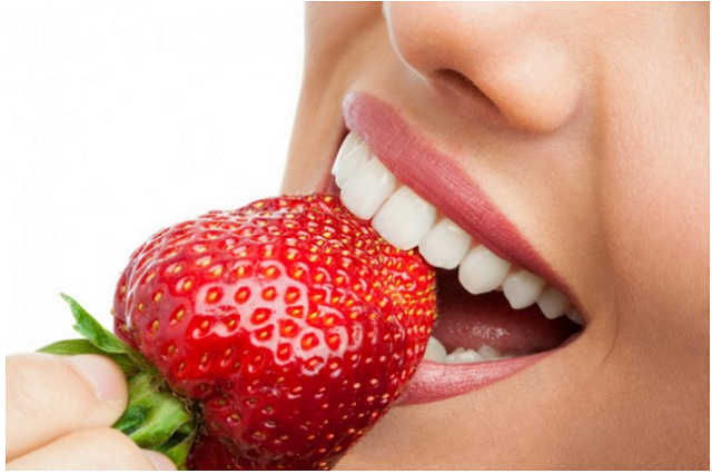 6 Foods that will help whiten your teeth