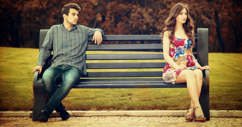 10 Reasons she's just not into you - See this and stop wasting your time!