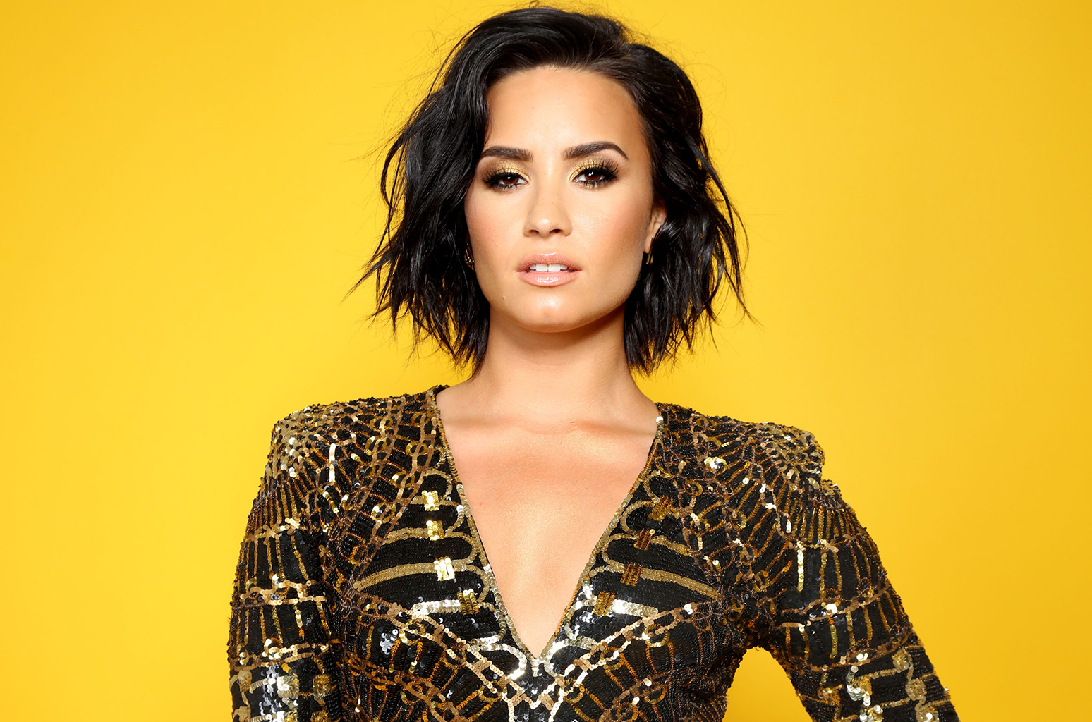 Demi Lovato living it up in Kenya (Photos)