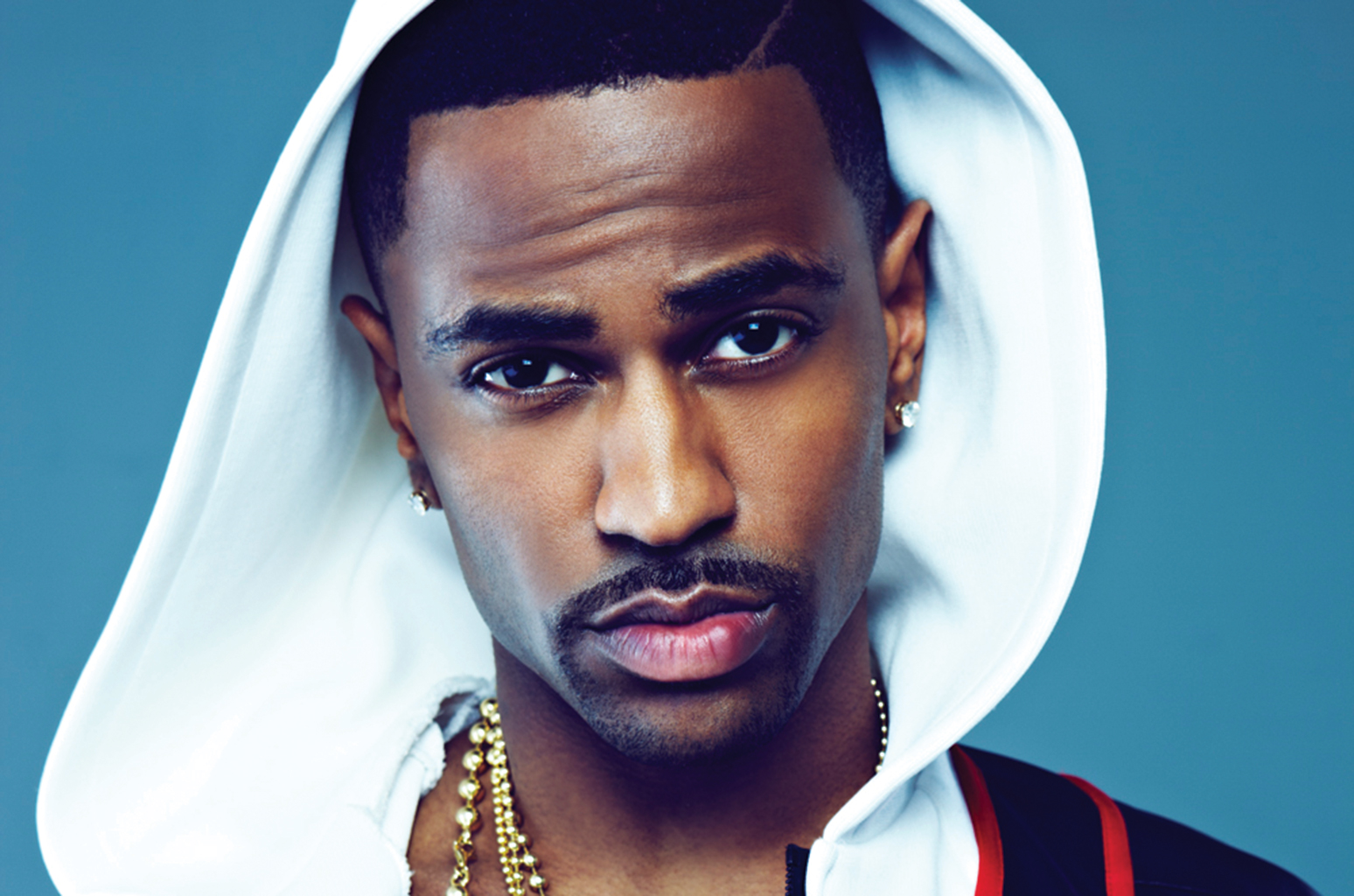 Fan slaps Big Sean in a meet and greet session