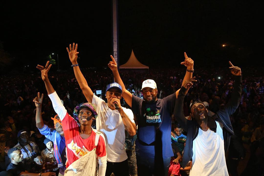 The Ali Kiba- Joho bromance; star helps Joho in persuading people to register as voters