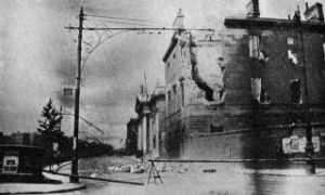 The Four Courts in ruins after the battle.