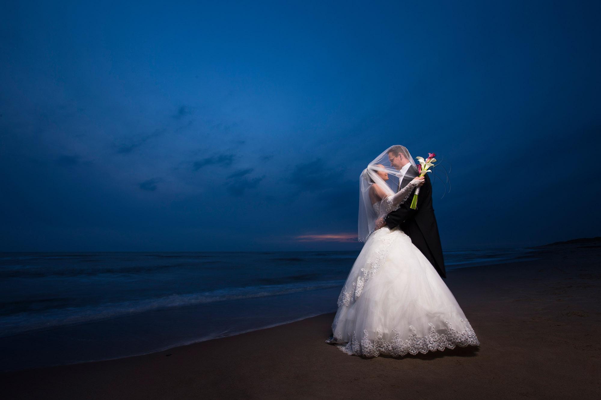 Aften stemning med bryllup ved havet i Ringkøbing