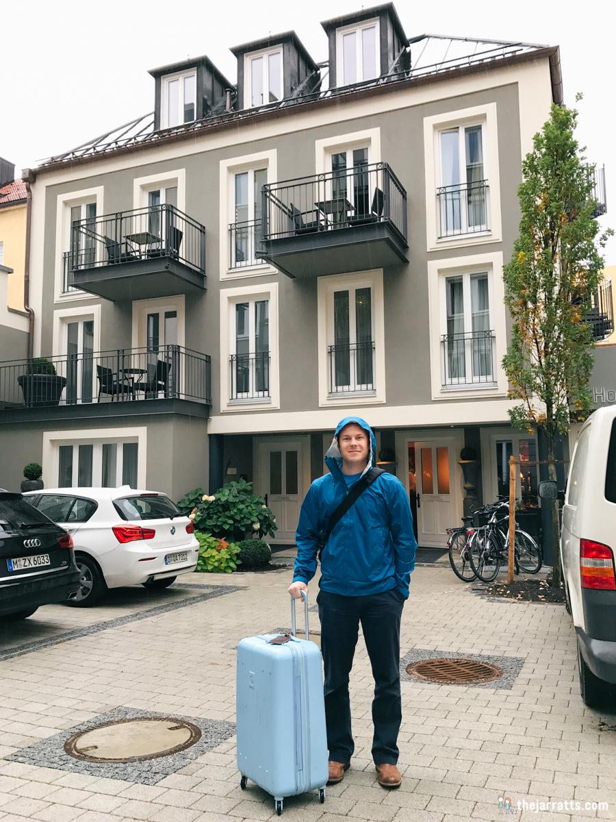 Auf wiedersehen, Hotel im Hof!