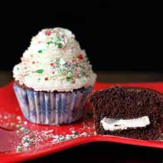 peppermintstuffedcupcakes3
