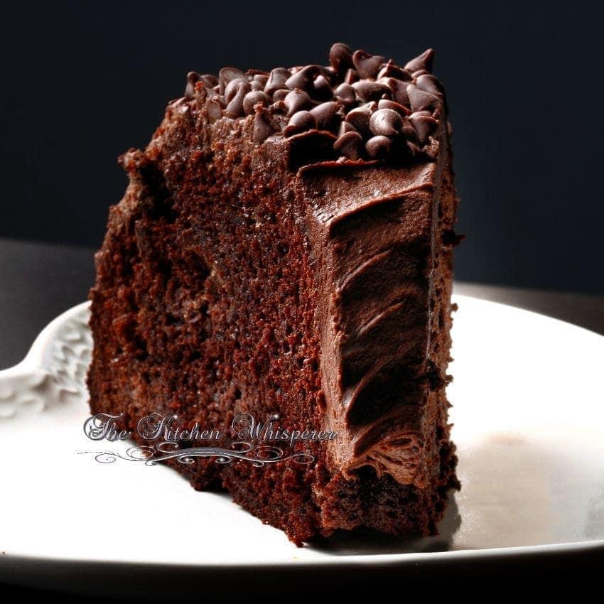 ... PERFECT fall cake ! Apple Bundt Cake with Cinnamon Cheesecake Swirls
